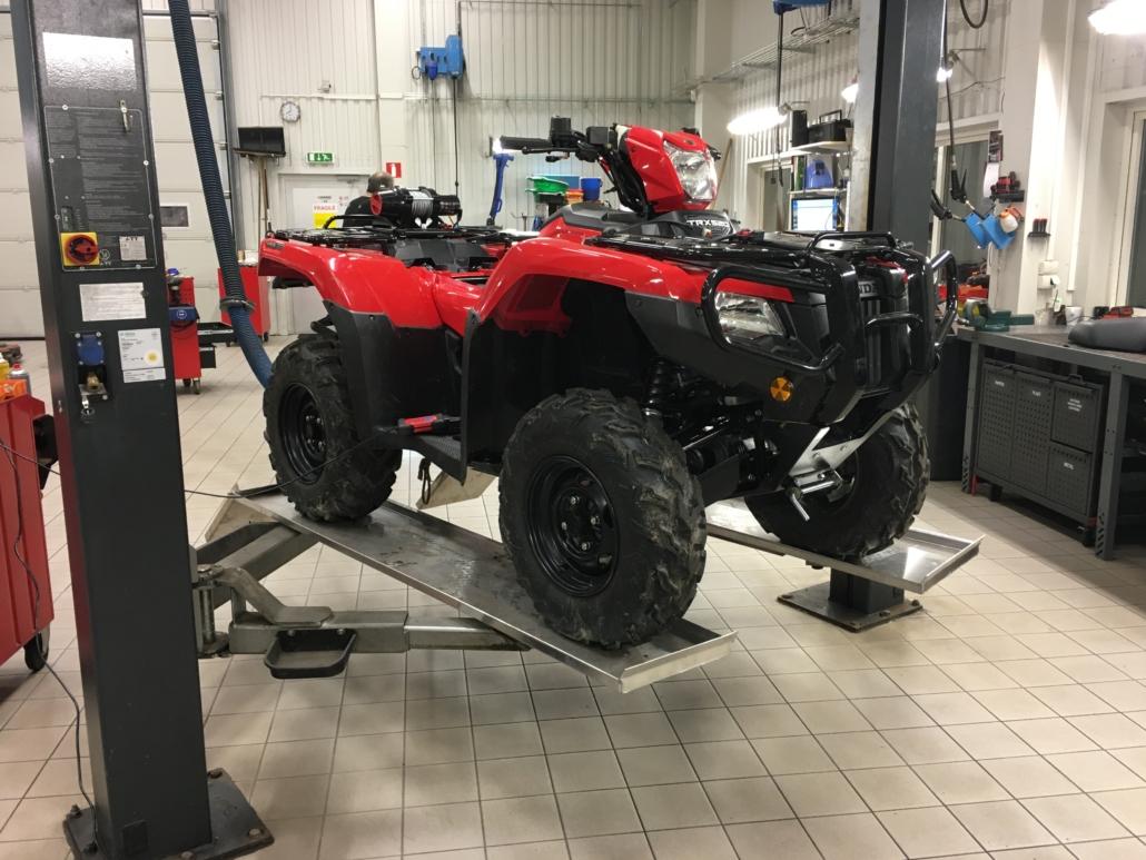 Honda. Auktoriserad återförsäljare - Marin & Fritid i Strömstad