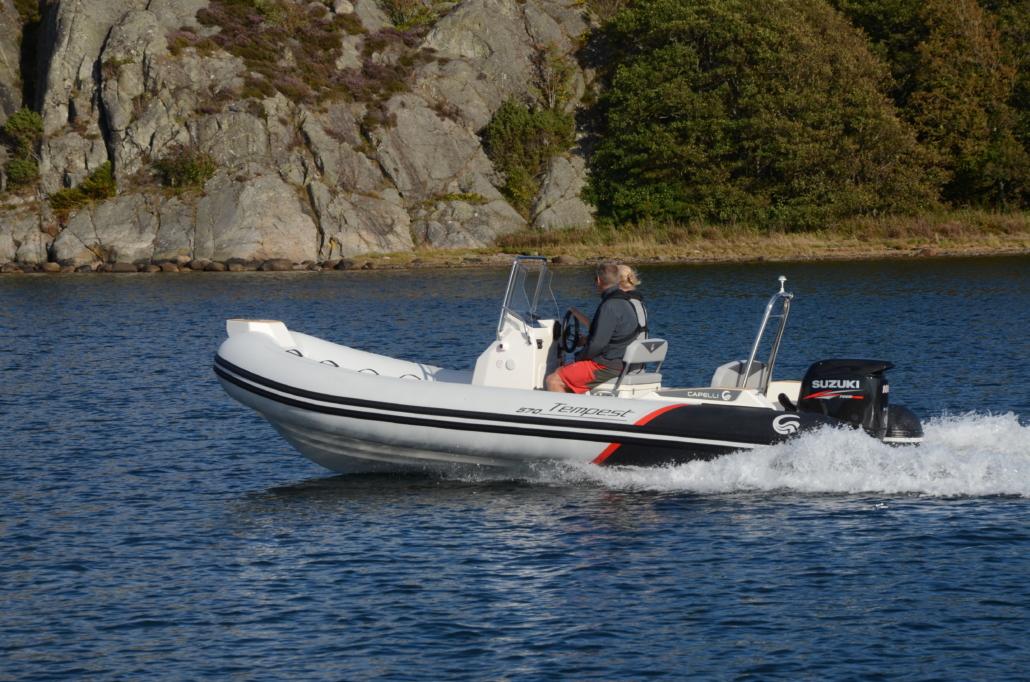 Capelli Båt powered by Suzuki Marin & Fritid i Strömstad